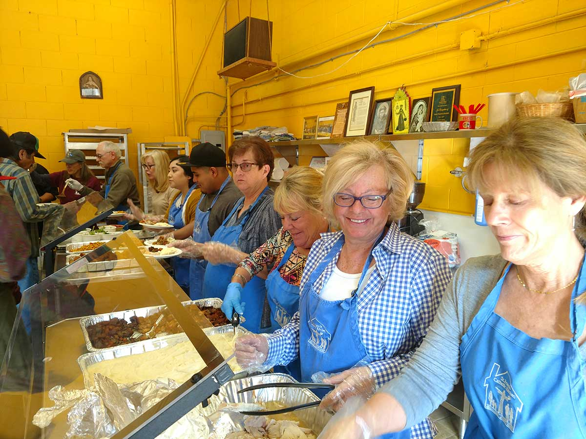 Soup-Kitchen-Volunteers