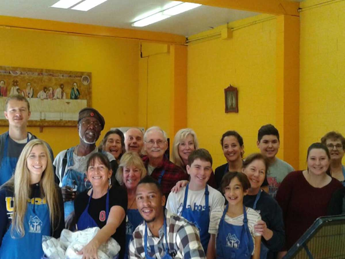 Soup-Kitchen-Volunteers4